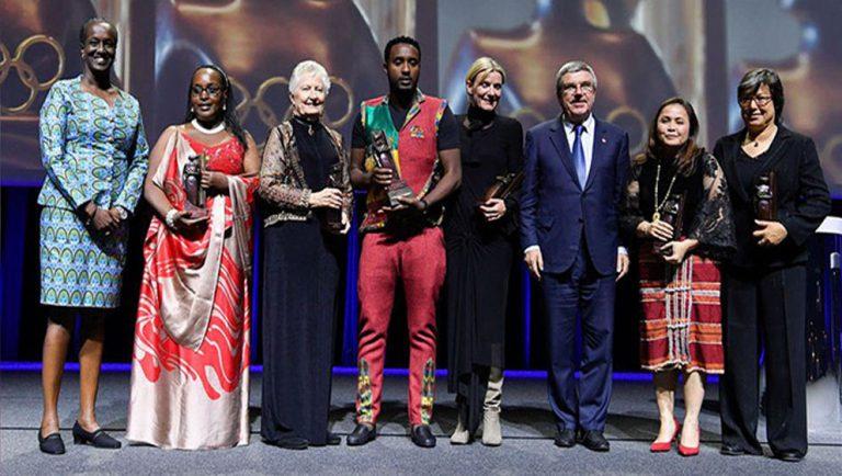 Rwemarika Felicite win a Trophy