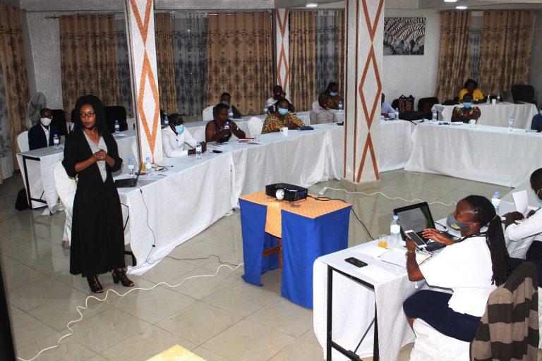 Validation du rapport sur l'etude mené sur la capacité de la communauté à prévenir le probleme des groussesses précoces chez les adolescentes